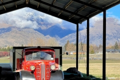 squam-creative-teele-old-red-arrowtown