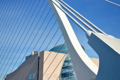 Samuel Beckett Bridge 1
