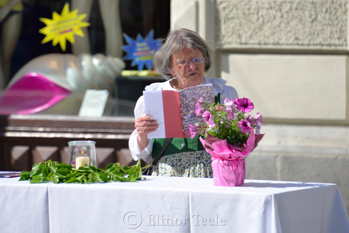 Waiting, Corpus Christi Procession, Graz, Austria
