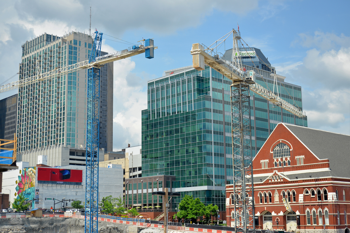 Ryman Auditorium and Skyscrapers, Nashville