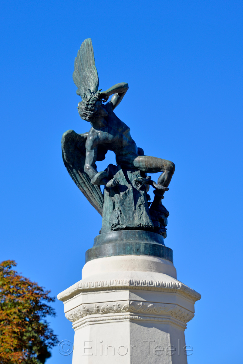 Fuente del A?ngel Cai?do | Fountain of the Fallen Angel, Madrid