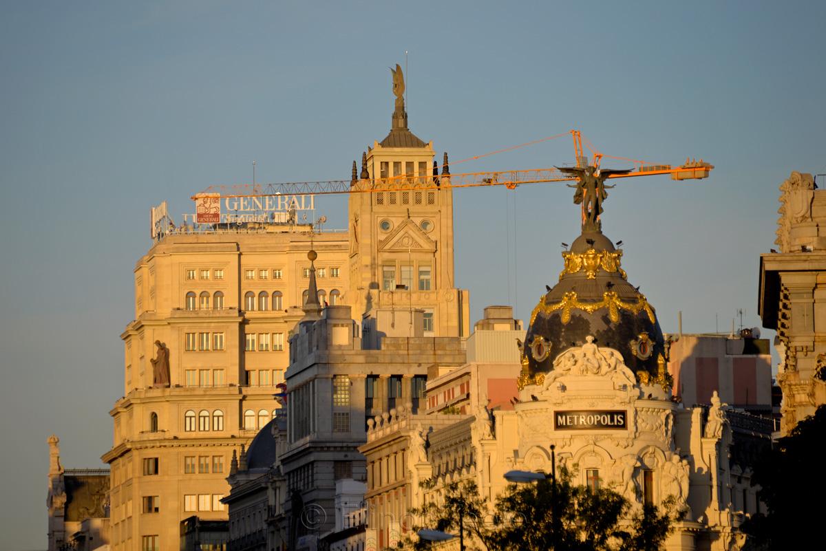 Edificio Metropolis | Metropolis Building at Dawn, Madrid
